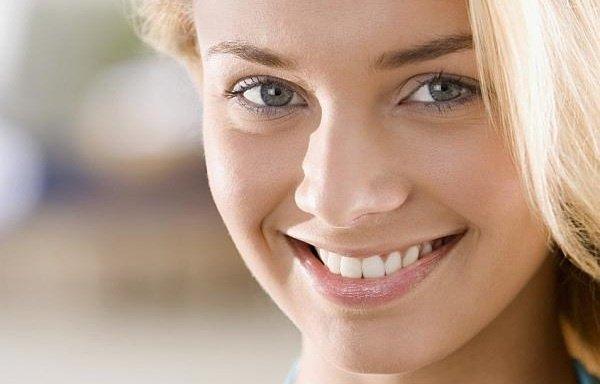 Как отбелить зубы в домашних условиях за 1 день