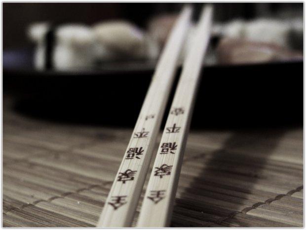 Как есть палочками китайскими