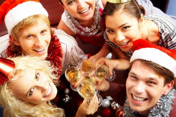 Как отметить новый год с друзьями